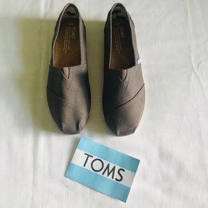 Toms Women's Classic shoe in Ash Canvas